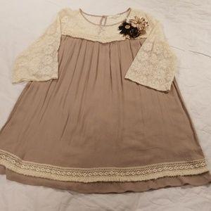 Umgee Womens Taupe Lace Tunic Shirt Sz 1XL